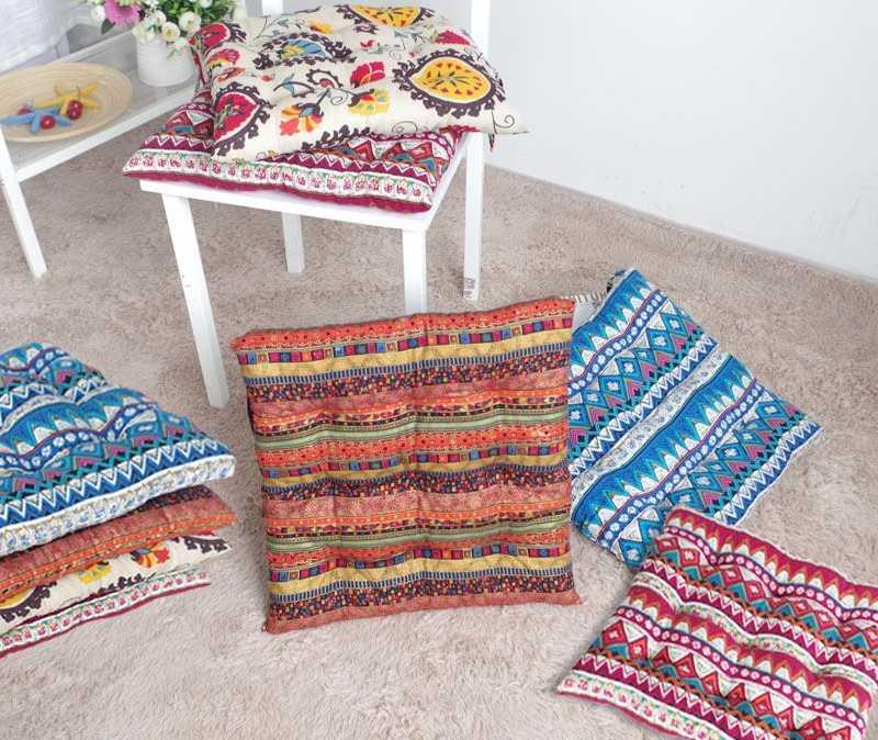 красивые подушки на табурет